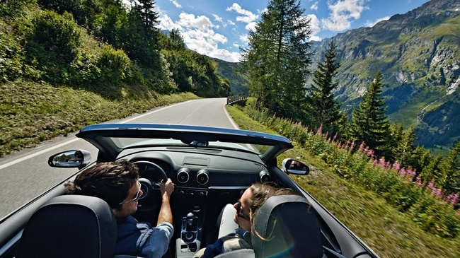 Grand E-Tour de Suiza en Tesla